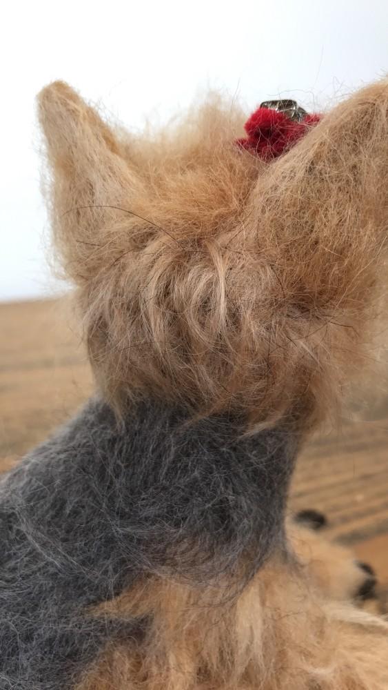 後ろ髪と手足の一部にも実毛を植え込みました。